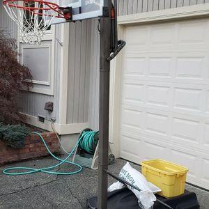 Spalding Basketball Hoop for Sale in Federal Way, WA