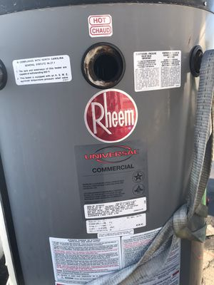 Commercial water heater 76 gallon for Sale in Fresno, CA