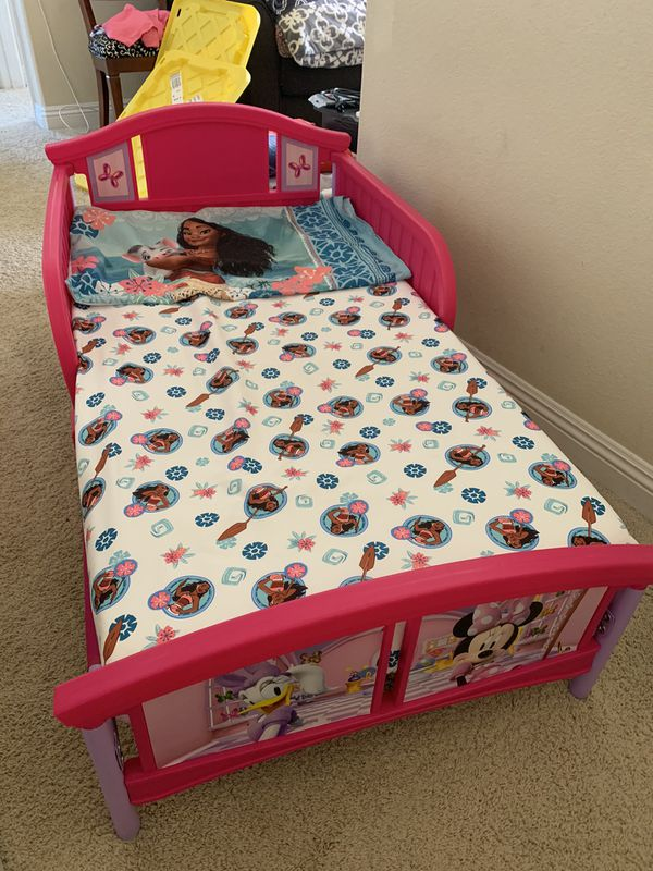 Minnie Mouse Toddler bed and mattress