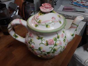 Ceramic tea pot (large) for Sale in Miami, FL