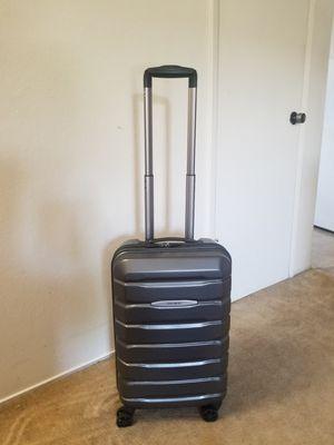 Samsonite Suitcase for Sale in Hayward, CA