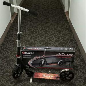 NEW- Razor A5 Lux Kick Scooter for Sale in Alexandria, VA