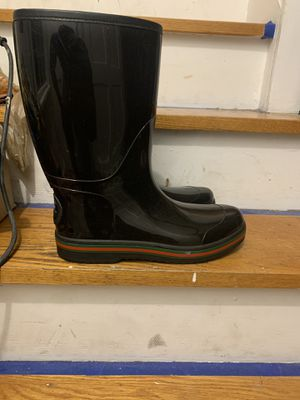 Authentic Gucci Rain boots for Sale in Cleveland, OH