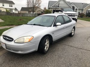 2004 Ford Taurus for Sale in Grove City, OH
