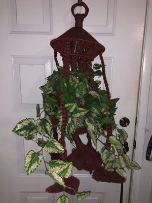 Large Red Plant Holder for Sale in North Las Vegas, NV
