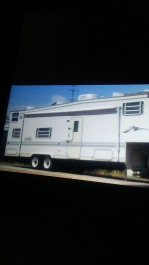 33 ft toy hauler/ 5th wheel 15ooo /obo for Sale in Tempe, AZ
