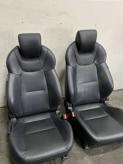 Hyundai Genesis Coupe Front Seats for Sale in Tukwila,  WA