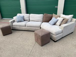 Delivery - big cream sectional couch sofa with 2 ottomans/footstools for Sale in Burleson, TX