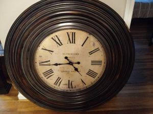"""Very large 39"""" round clock for Sale in Nashville, TN"""