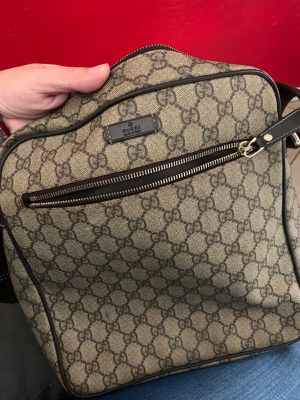 Gucci messenger bag for Sale in Tolleson, AZ