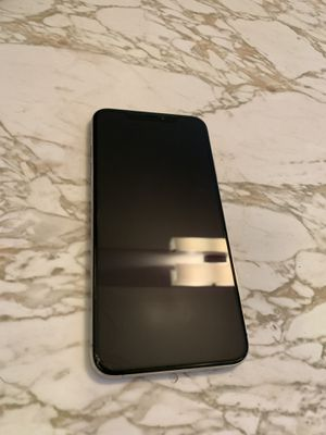 iPhone XS Max 64gb with box for Sale in El Cerrito, CA