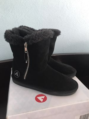 New Girls Boots size 2 for Sale in Brooklyn, NY