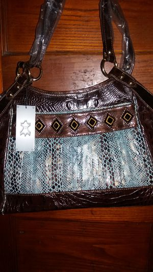 WOMENS BRAND NEW LEATHER HANDBAG for Sale in Lancaster, PA