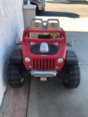 Jeep Electric Kids Car (Will Clean & Sanitize) for Sale in Orange, CA