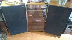 1988 two Pioneer speakers, stereo cabinet and Pioneer Receiver for Sale in Queens, NY