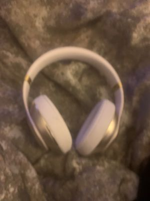 These are beats headphones wireless they work fine in and they work perfectly I hope you're willing to buy it! for Sale in Tyler, TX