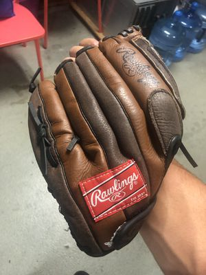 Baseball Gloves Both Rawlings for Sale in Passaic, NJ