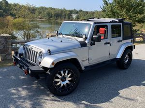 2008 Jeep Wrangler Unlimited Sahara LOW MILES for Sale in Laurel, MD