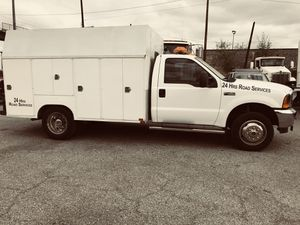 Troka utility ford f450 Hevy duty for Sale in Bell, CA