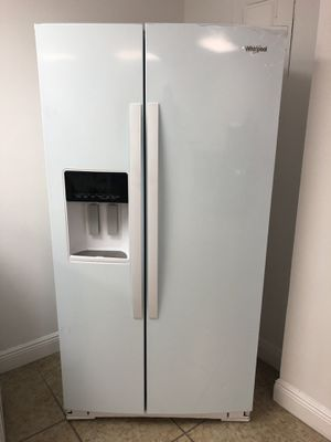 Whirlpool 21. Cu. ft. Side by Side Refrigerator Counter Depth EZ FINANCING AVAILABLE! for Sale in Miami, FL