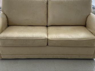 Sofa With Full Size Pull Out Bed for Sale in Fort Lauderdale,  FL