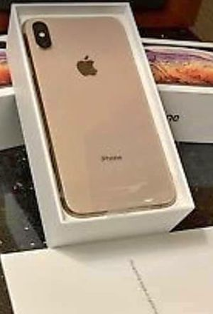 Iphone xs max 64gb unlocked for Sale in Silver Spring, MD