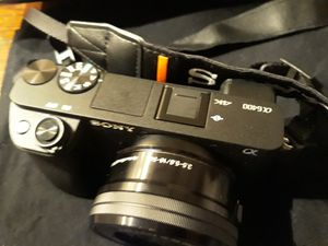 Sony a6400 16/50 for Sale in Richmond, VA