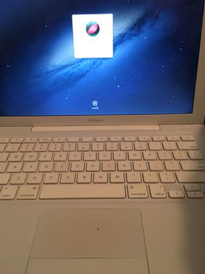Macbook 2010 Who Want it for Sale in Turtle Creek, PA