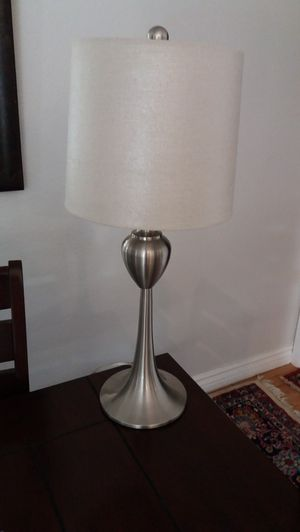 """beautiful lamp , 26""""inch height , excellent condition for Sale in Rancho Cucamonga, CA"""