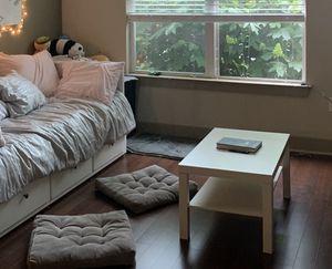 IKEA WHITE COFFEE TABLE for Sale in Berwyn Heights, MD