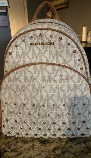 Michael kors backpack for Sale in Grand Prairie, TX