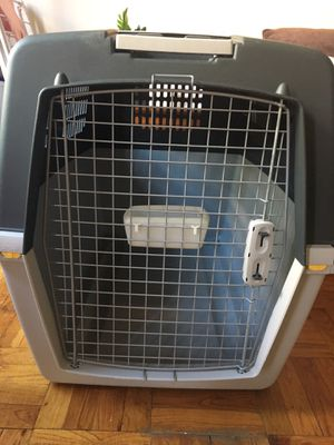 Dog kennel, made in Italy for Sale in Brooklyn, NY