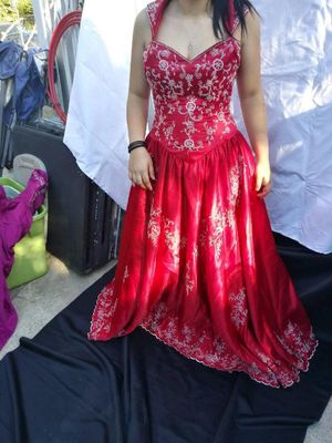 Beautiful red Quincereara dress for Sale in Perris, CA