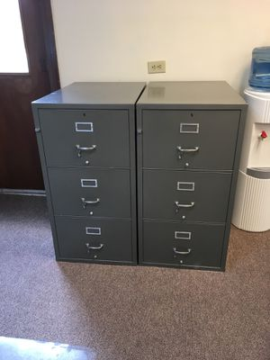 2 x Shaw Walker 3 Drawer fire proof filing cabinets for Sale in Sunbury, OH