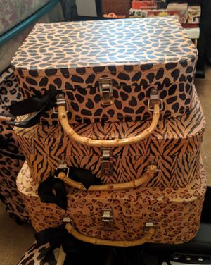Stackable animal print mini suitcases for storage for Sale in Phoenix, AZ