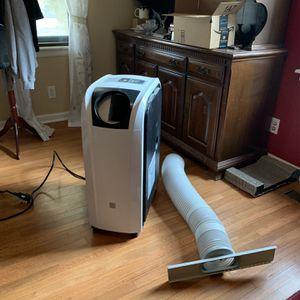 Portable AC/Heat Unit for Sale in Englewood, CO