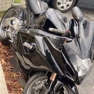 2006 suzuki gsxr 1000 for Sale in North Kingstown, RI