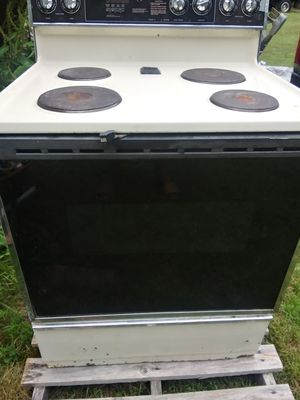 Whirlpool Stove for Sale in Cumberland, VA