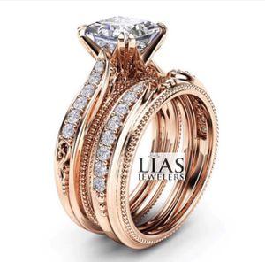 New 18 k rose gold wedding ring set for Sale in Orlando, FL