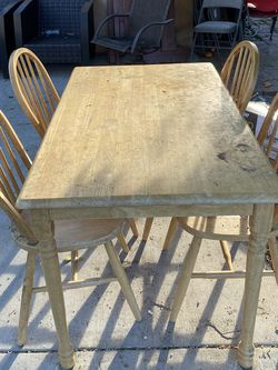 Wooden Breakfast Table for Sale in Los Angeles,  CA