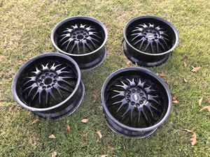 17 wheels set of 4 for Sale in Fresno, CA