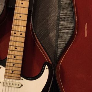 dont ask if still available Peavey Presator Electric Guitar for Sale in Austin, TX