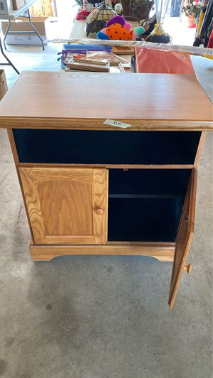 Oak TV stand for Sale in Tomahawk, WI