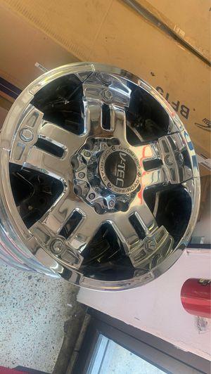 20 inch V-Tech chrome rims for Sale in Homestead, FL