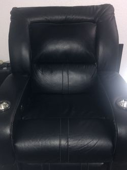 Electric Recliner for Sale in Fort Worth,  TX