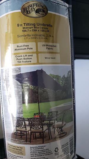 Hampton bay 9ft tilting patio umbrella for Sale in Ijamsville, MD