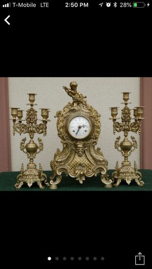 French heavy clock with 2 candelabras runs for Sale in Skokie, IL