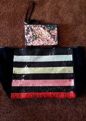 New VS tote set & medium PINK clutch for Sale in Nichols, NY
