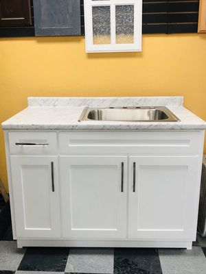 Kitchen cabinets for Sale in Vernon, CA