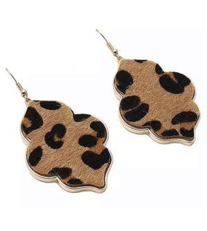 BLACK GOLD LEOPARD TEARDROP DIAMOND SHAPE DANGLE DROP EARRINGS for Sale in Macomb, MI